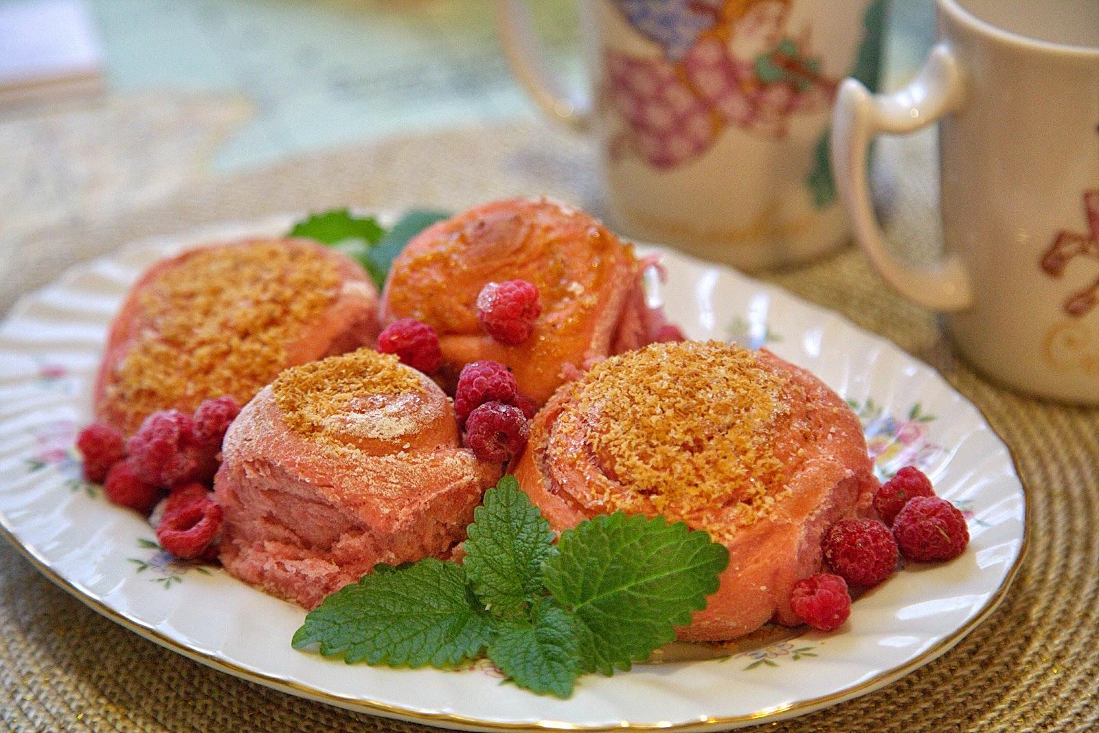 постные розовые булочки розочки с джемом кокосовой стружкой