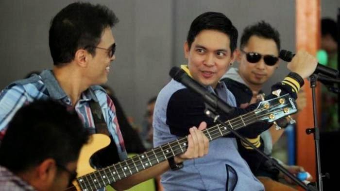 Lirik Dan Kunci Gitar Lagu Ada Band - Surga Cinta