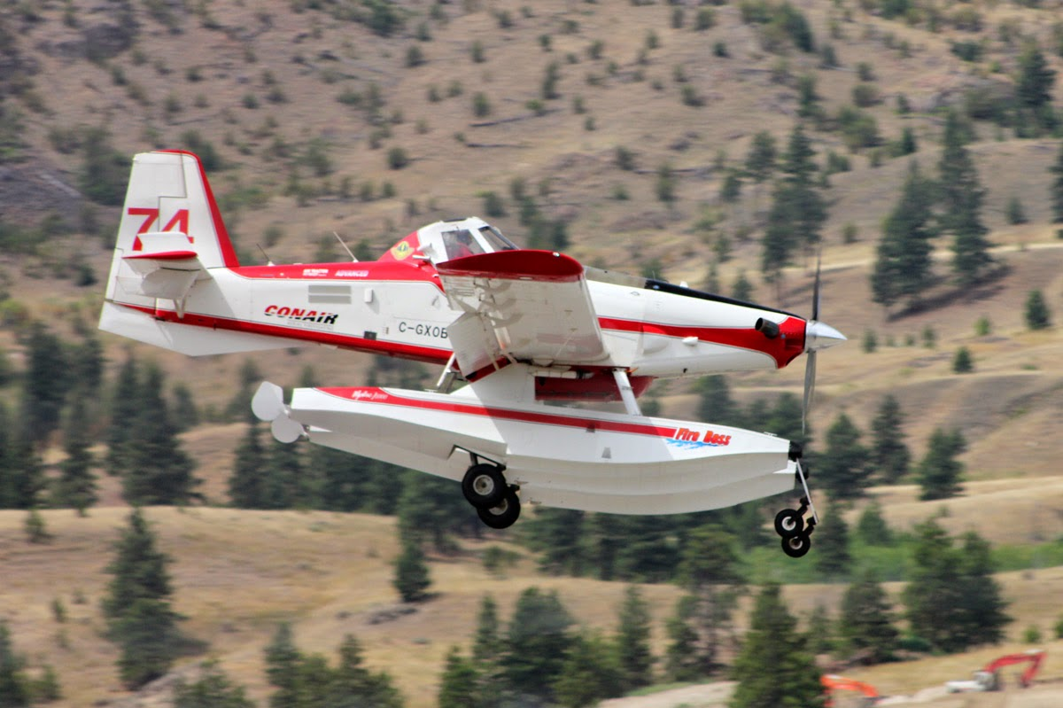Canadian Air Tractor AT-802 landing