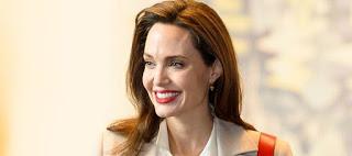 Angelina Jolie: «Δεν μπορεί να υπάρξει ειρήνη αν δεν σεβαστούμε τα δικαιώματα των γυναικών»