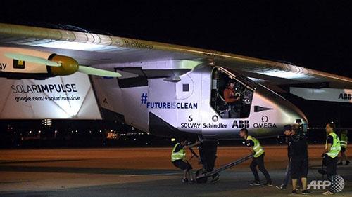 Hình ảnh Solar Impulse 2 chuẩn bị cất cánh tại sân bay thành phố Nagoya, Nhật Bản. Ảnh: AFP