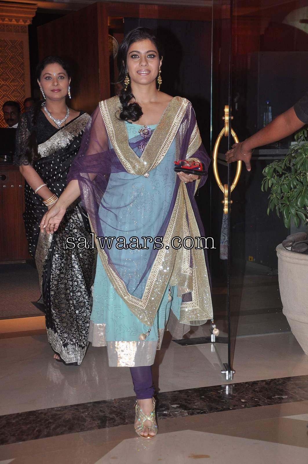 Sonam Kapoor in Sarees, Salwar Kameez, Anarkali, Dresses ...