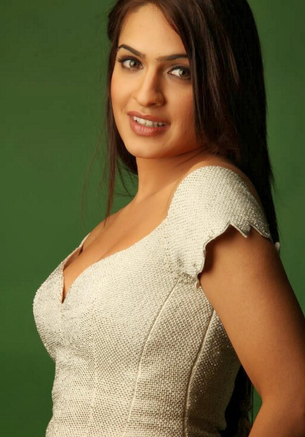 Aditi Rao Hydari Bikini Photoshoot for GQ Magazine MAY ...