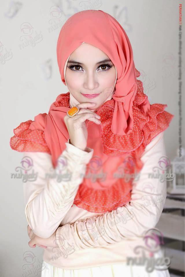Hijab moderme comment faire le foulard hijab et voile - Comment ranger les foulards ...