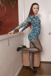 热成熟 - rs-A_Lee_1_AnnabelleLee_BlueDressBlackStockings_005-733135.jpg