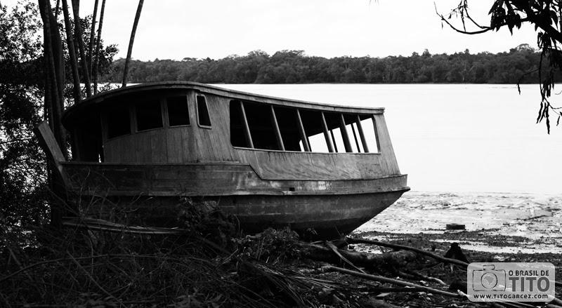 Barco na ilha de Cotijuba, em Belém, no Pará