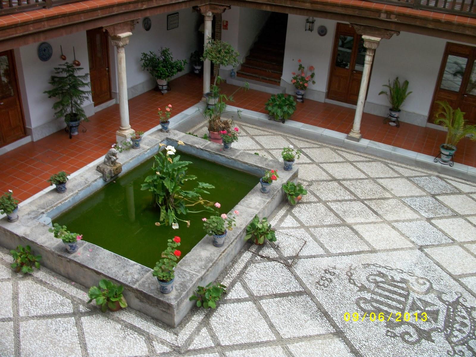 Granada no solo es la alhambra casas c rmenes y casas for Alberca en patio pequeno