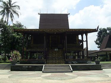 Rumah adat Banjar