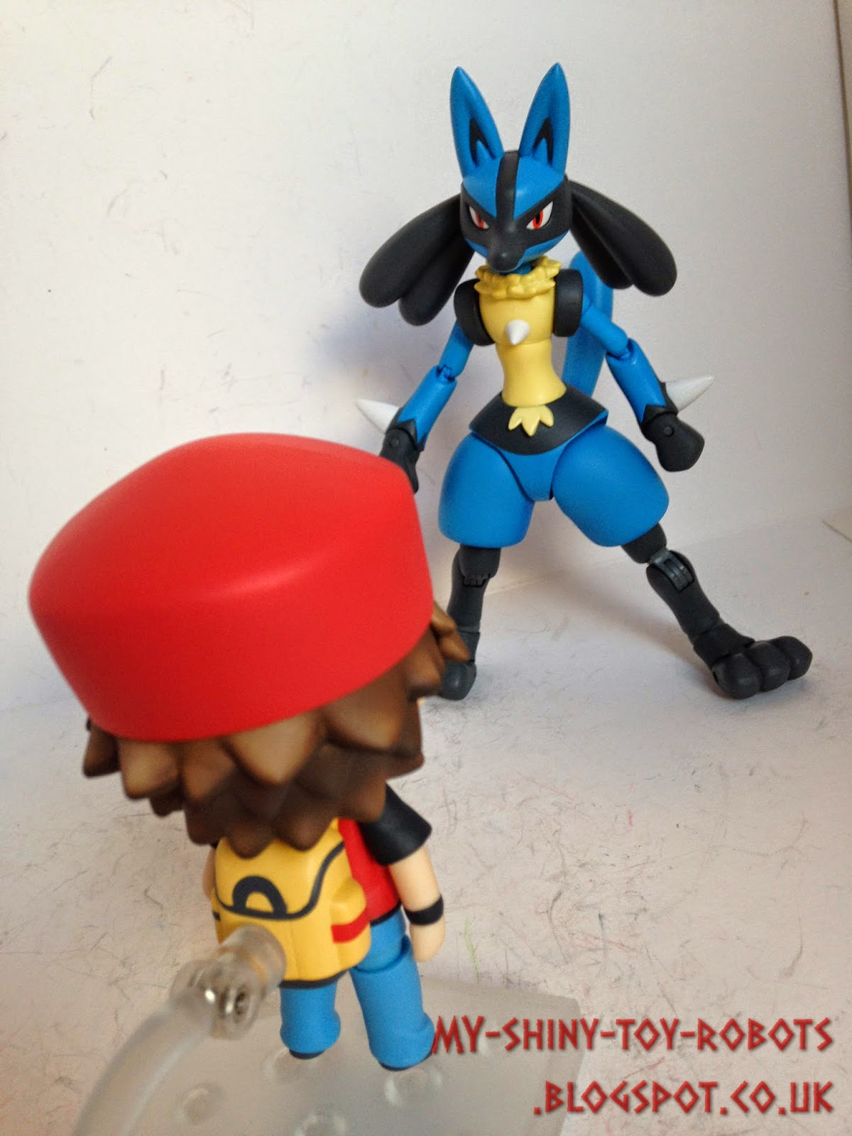 Red vs Lucario