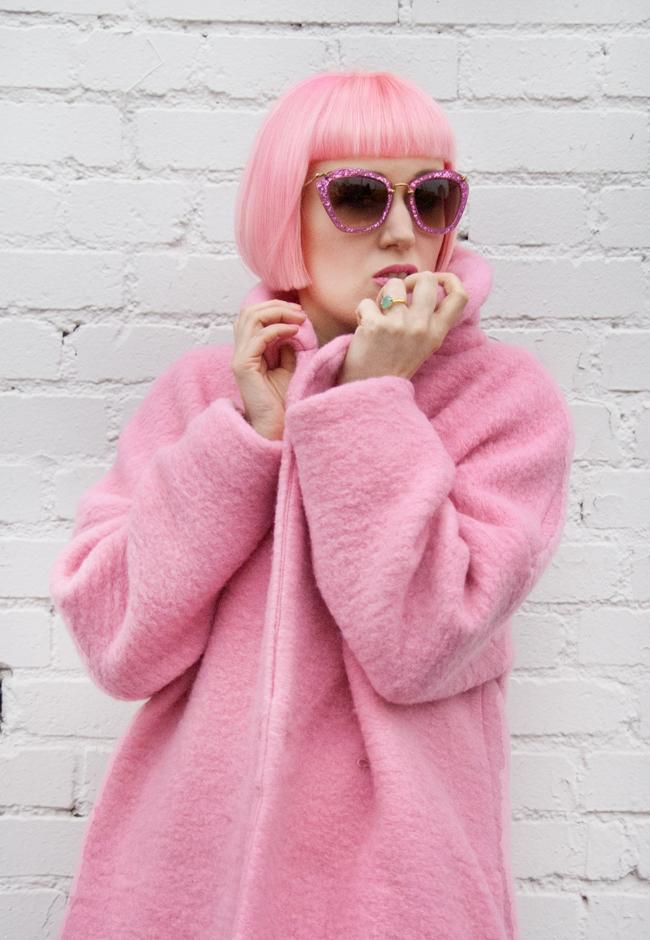 jacquemus pink coat, miu miu glitter sunglasses, pink girl