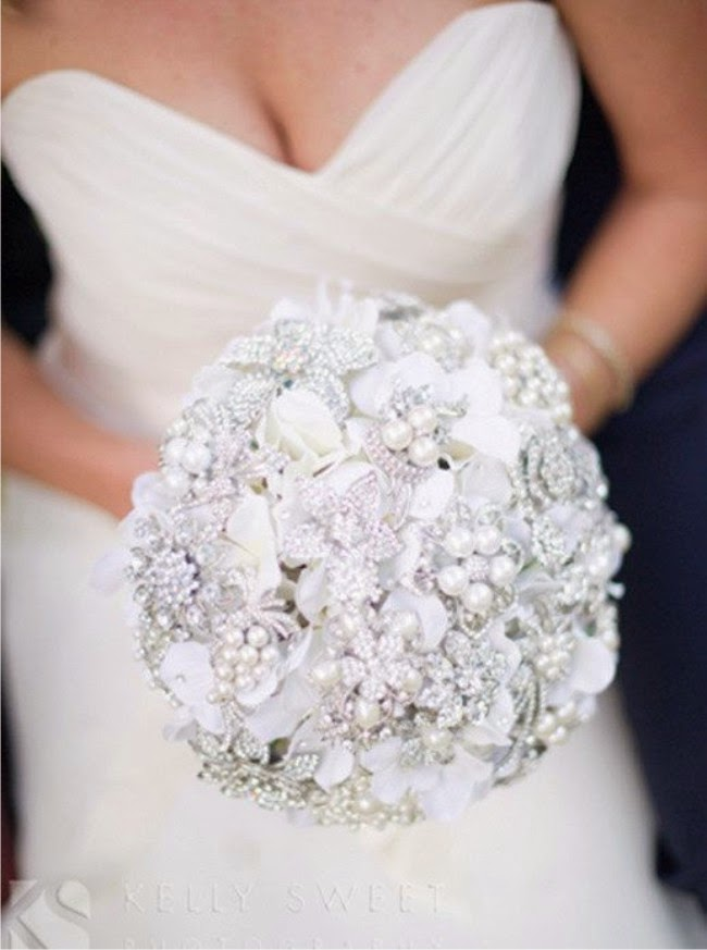 buquê, buquê noiva, buquê de noiva, wedding bouquet, flowers bouquet, flower bouquet, rose bouquet, bridal bouquet, buque noiva, buque de noiva, buque de casamento, buque de broche, buquê de broche, broches, broche, bouquet broche, bouquet de broche, brooch bouquet, casamento, casamentos, noiva, noivas, bride, wedding, festa de casamento, weddings, wedding ideas