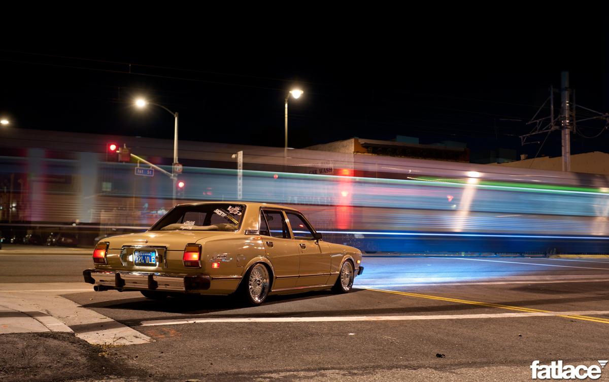 Toyota Cressida X30, nocne zdjęcia, samochód