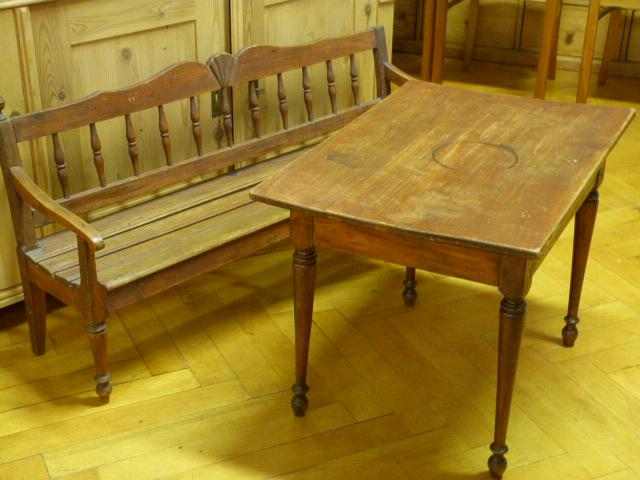 antike m bel antike kinderbank und tisch. Black Bedroom Furniture Sets. Home Design Ideas
