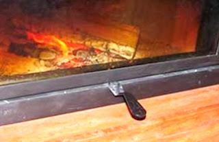 Sterowanie dopływem powietrza do kominka