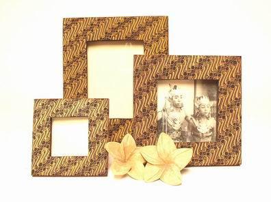 Bingkai batik cantik ,terbuat dari kardus ukuran 15x20 cm