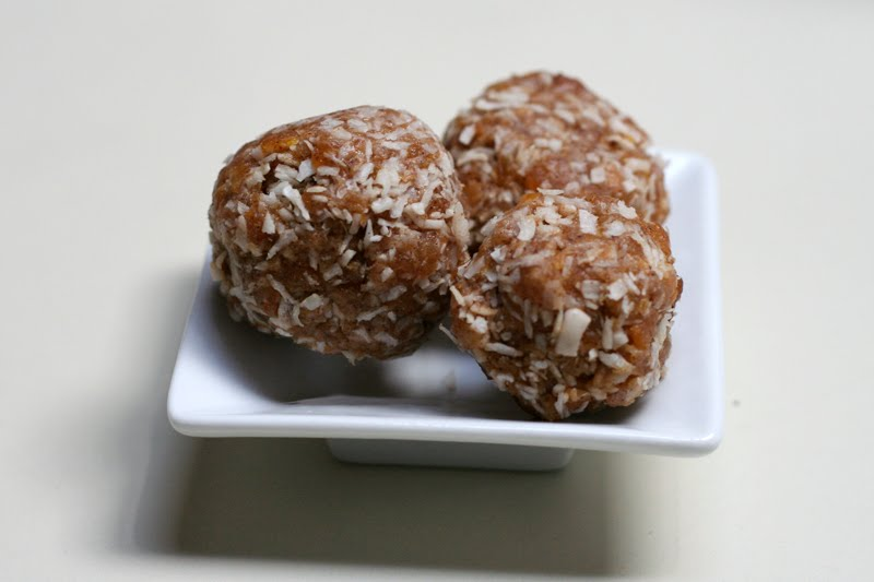 how to make apricot balls with weetbix