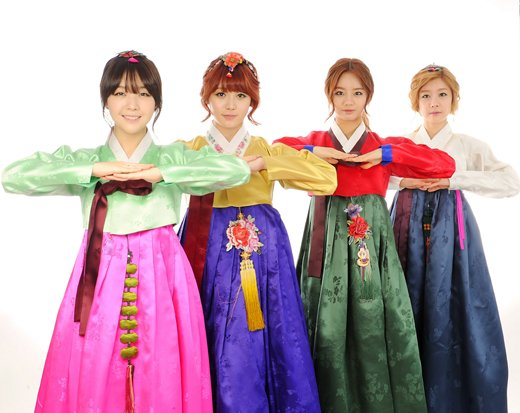 Girls Day Hanbok 04