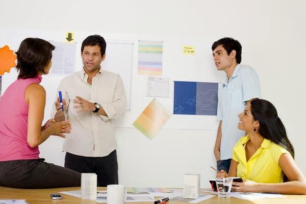 Memilih Agen Iklan untuk Mempromosikan Bisnis Anda