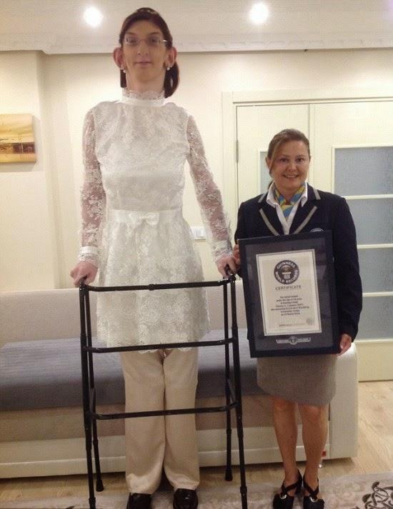 A mulher mais alta do mundo