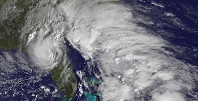 Florida: Gefühlter Sturm zieht nach Norden und hinterlässt Überschwemmungen - und vielleicht auch einen Tornado, Florida, USA, US-Ostküste Eastcoast, Sturmflut Hochwasser Überschwemmung, Oktober, 2011, aktuell, Video, Radar Doppler Radar, Tornado,