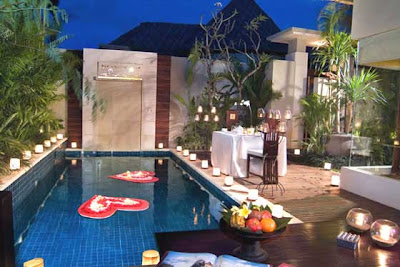 Kolam dalam rumah minimalis sederhana
