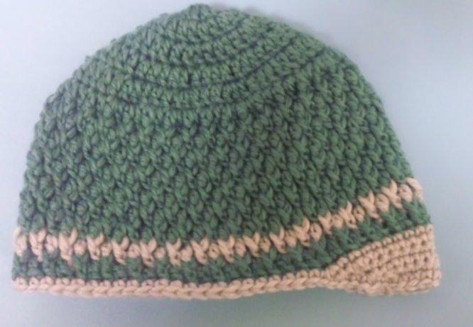 ブリム付きニット帽子