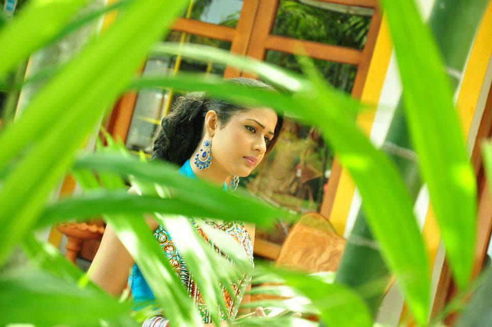 SriMixZone: Maheshi Madushanka Unseen Photo Collection