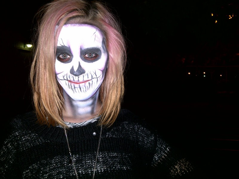 Toukie Smith - Skeleton Halloween Makeup