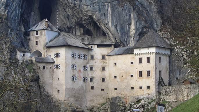 castelul predjama