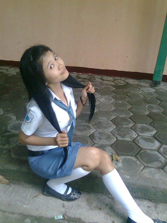 Nomor HP dan Facebook Cewek SMA Bispak Jakarta. ceweksmacarikerja.blogspot.com.