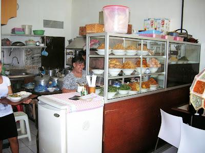Barung,  comer barato en viajes, round the world, mundoporlibre.com
