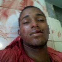 Policía mata de 6 tiros en el peso prófugo de asesinato y asalto