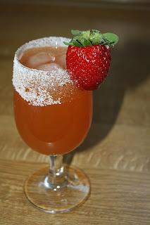 Picture of a strawberry mojito
