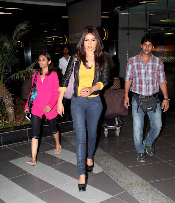 priyanka chopra snapped at airport photo gallery