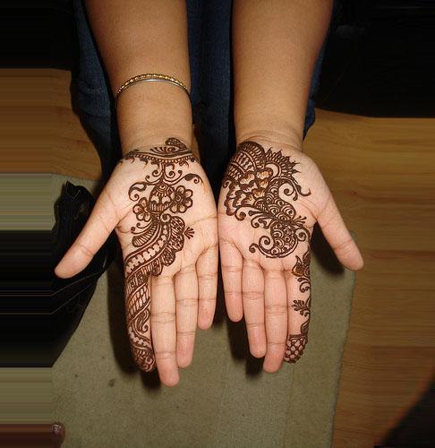 Mehndi Designs Simple Arabic Style : Pakistan cricket player simple arabic henna design