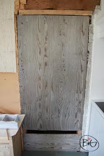dörr till sovrummet igensatt med en skiva