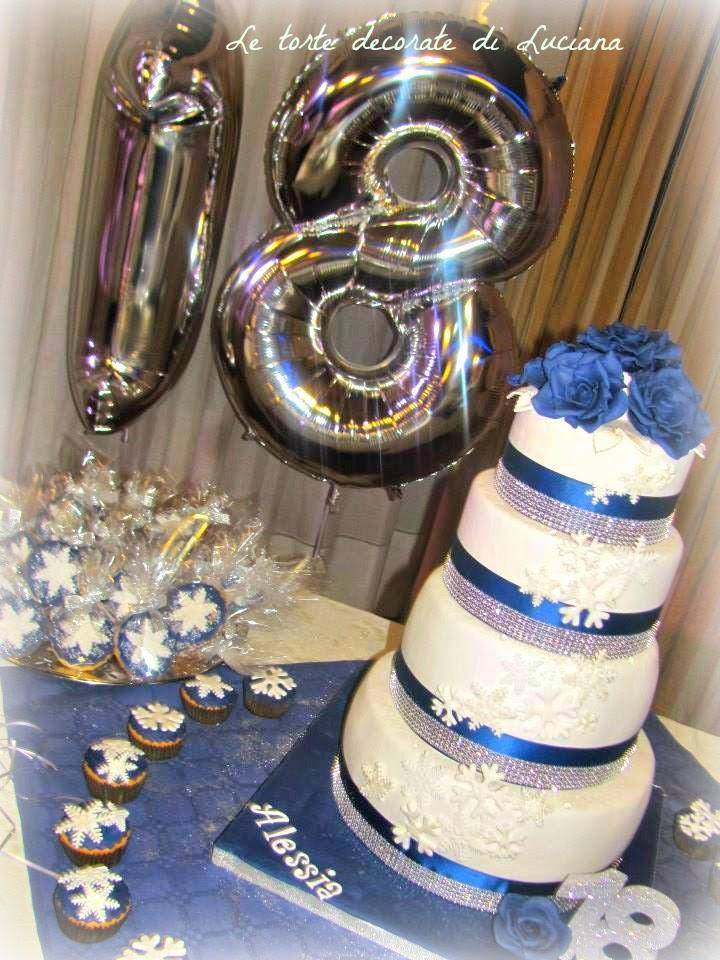 Le torte decorate torta anni rose blu e fiocchi di neve