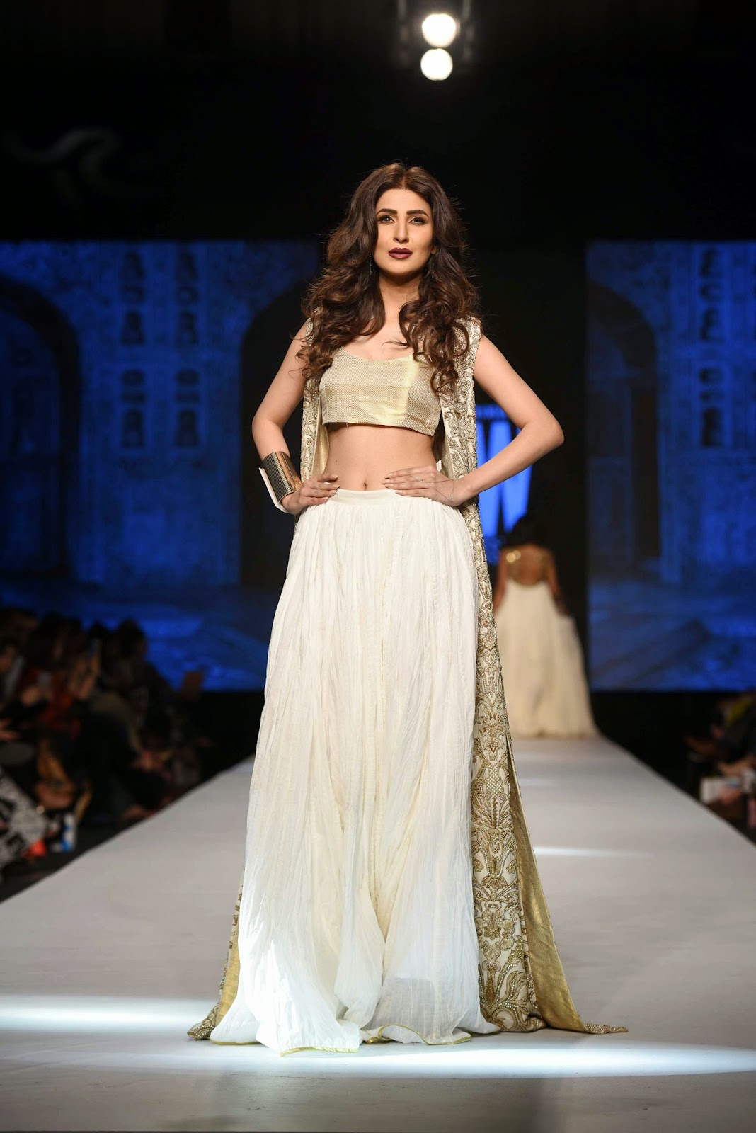 areeba habib Gul Ahmed Telenor Fashion Pakistan Week 2015