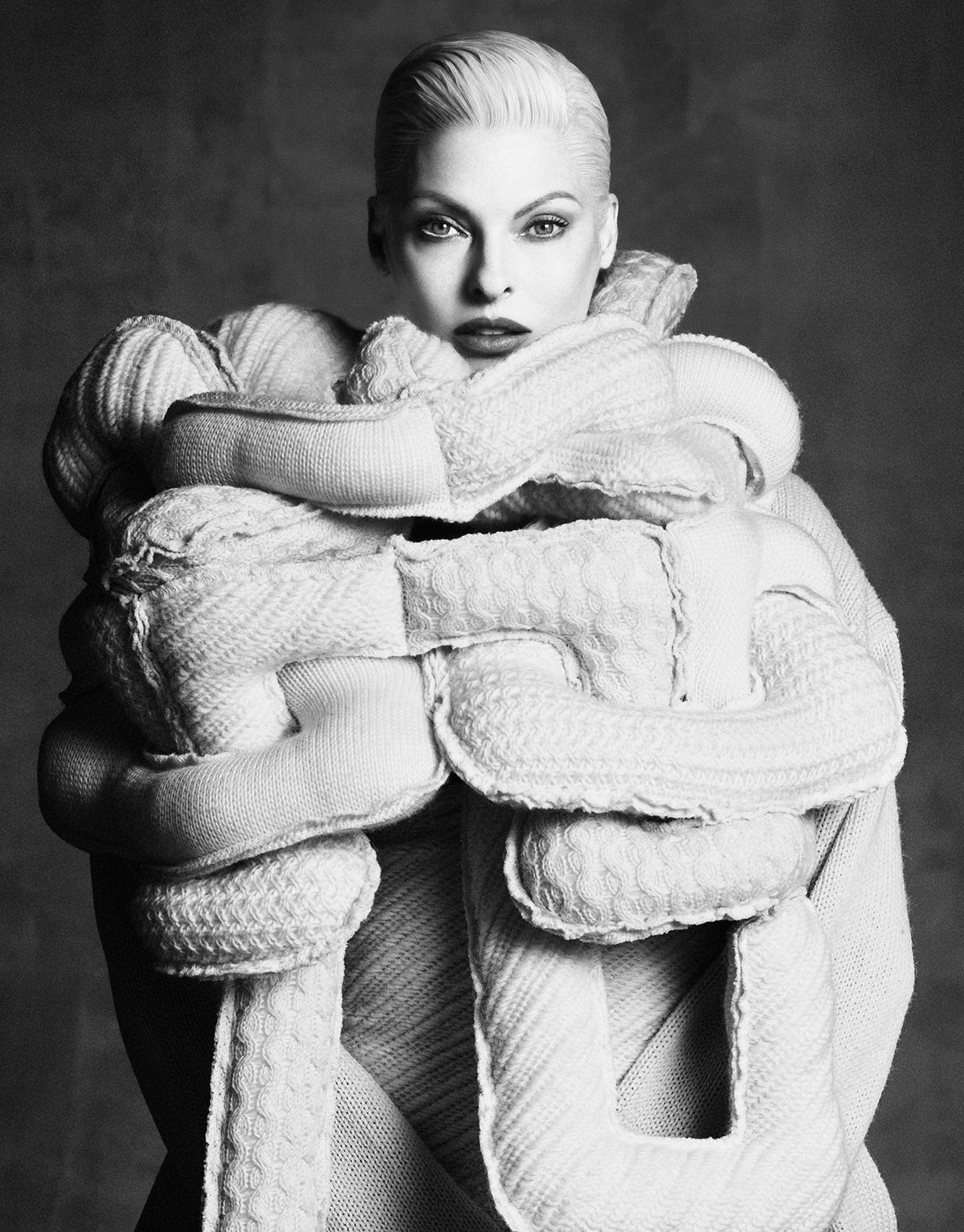 Linda-Evangelista-Perfect-Icon-Vogue-Japan-September-2014