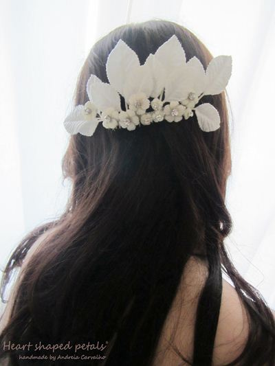 hair comb for brides with flowers and rhinestones