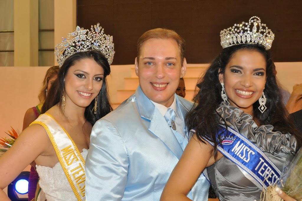 O coordenador Luís Costa entre a Miss Teresópolis 2013, Amanda Ramos, e a Miss Teresópolis 2014, Yasmin Motizuki
