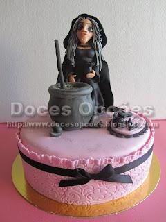 bolo aniversário bruxa