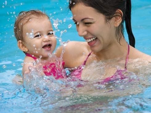 Di rio de uma m e piscina para beb s for Piscinas bebes