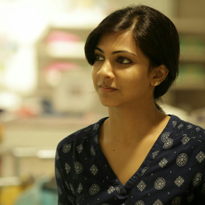 Actress madonna sebastian latest cute gallery kadhalum kadanthu pogum gethu cinema - Madonna hd images ...
