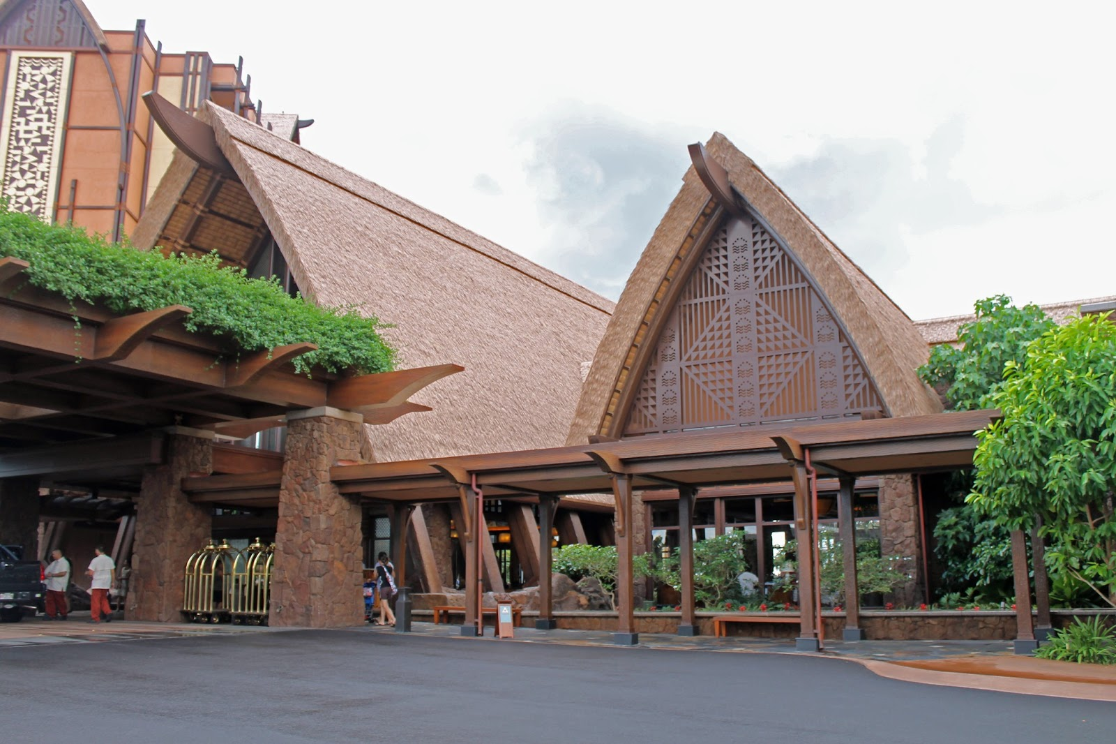 Traditional hawaiian architecture pictures to pin on for Hawaiian style architecture