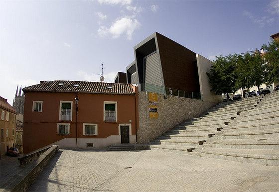 imagen_que_visitar_burgos_turismo_gratis_visita_cab_centro_arte_caja_burgps