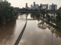 Foto-foto Kedahsyatan Banjir Bandang 'Hajar' Texas