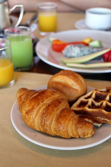 Shangri-La Breakfast