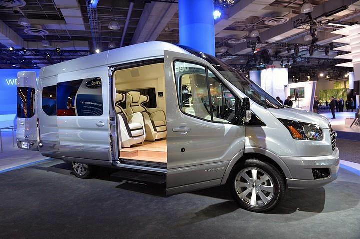 xe%2Blimousine%2Bdcar%2Bsapa1 Giá Thuê Xe Limousine đi Cửa Ông Yên Tử