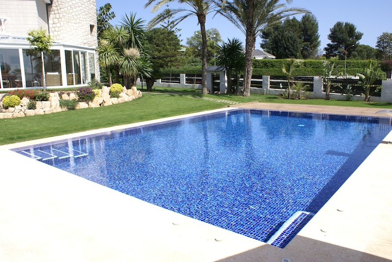 Gunitec for Piscinas con gresite blanco